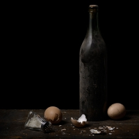 Oeufs et bouteille, 82x65 cm, 2013